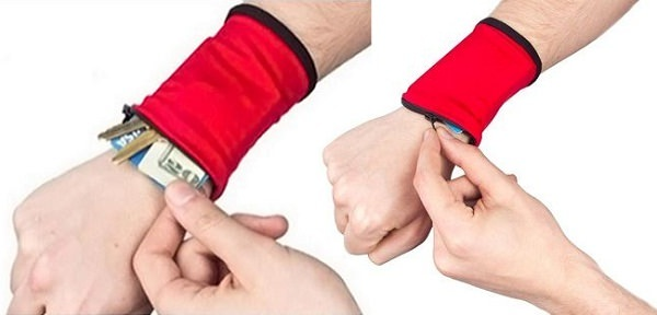 Wrist Wallet to carry cash, credit card, keys and IDs