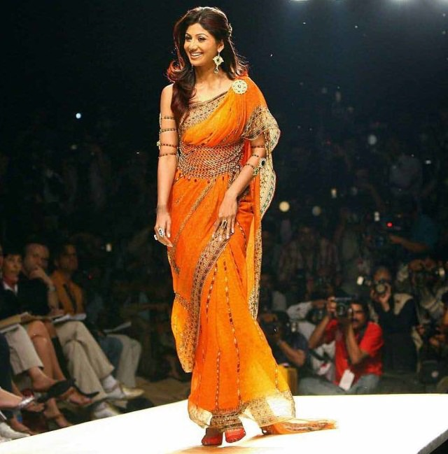 shilpa shetty in orange saree