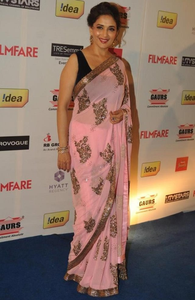 Actress Madhuri Dixit's style tells how to wear saree to look slim and tall