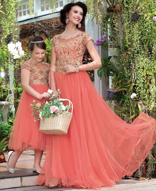 mother-daughter-matching-gown, mother and daughter matching outfit