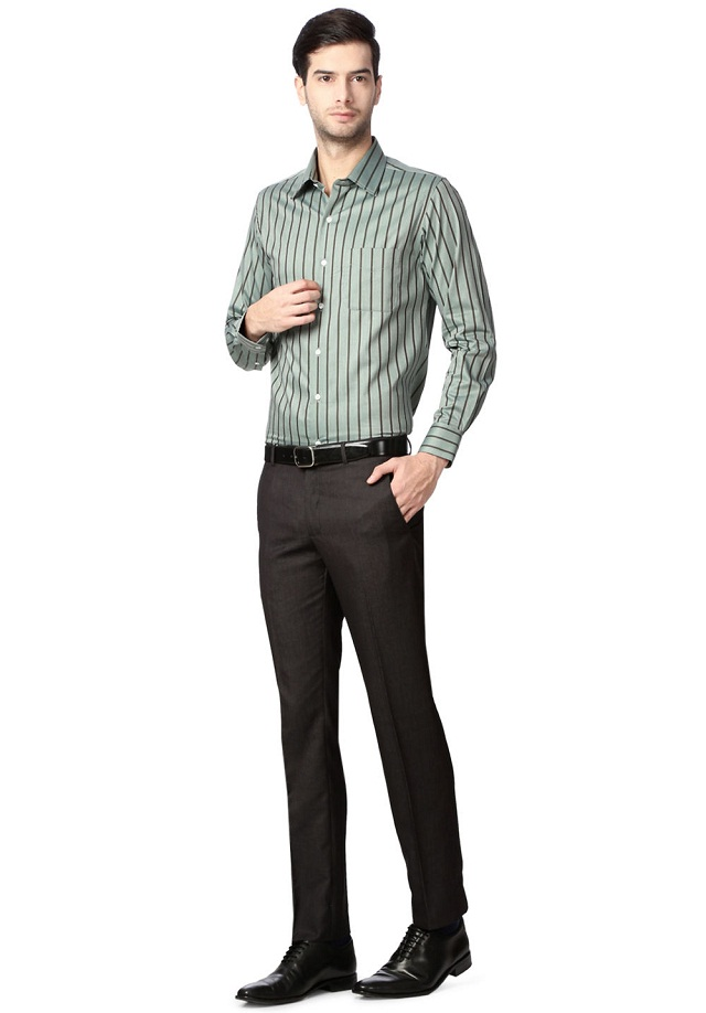 striped shirt with lining matching pant, Take a charming look with striped shirt with lining matching pant