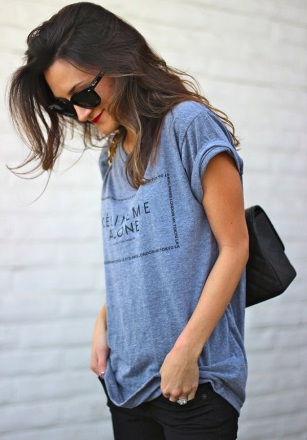 how to wear an oversized t-shirt with jeans, wear loose tees with creative sleeves