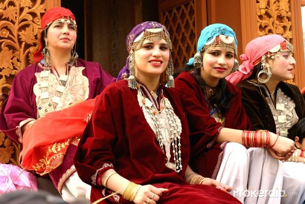 Original Fashion Magazine Kashmiri Traditional Dresses For Girls
