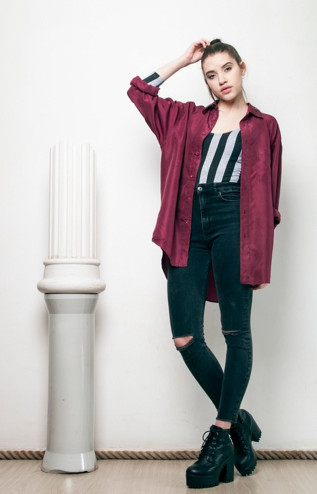 Layer Up oversize boyfriend's shirt on t-shirt with jeans
