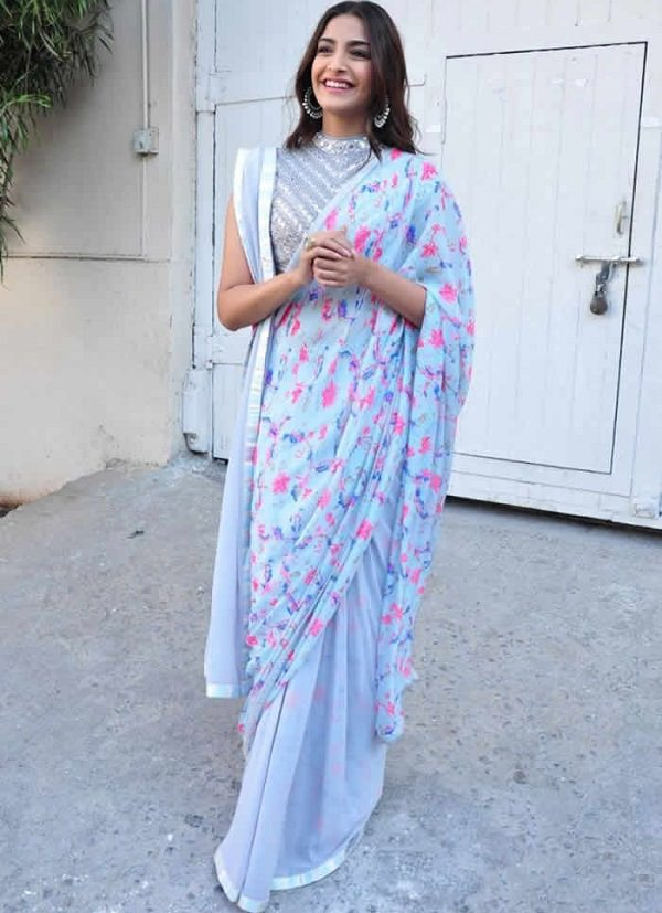 Sonal drapped Abu Jani Sandeep Khosla Saree in Double Pallu style