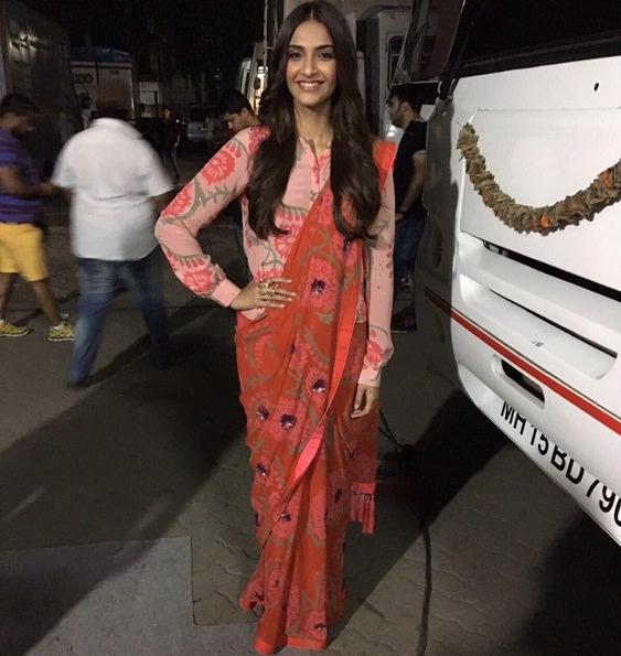 Sonam Kapoor shows how to wear a shirt with sarees during Prem Ratan Dhan Payo promotions