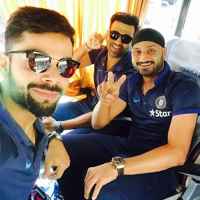 virat in stylish sunglasses celebrate holi