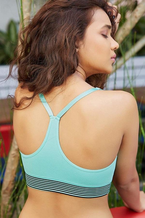 sports bra with outstanding back
