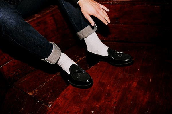 never wear white socks with formal or dress shoes