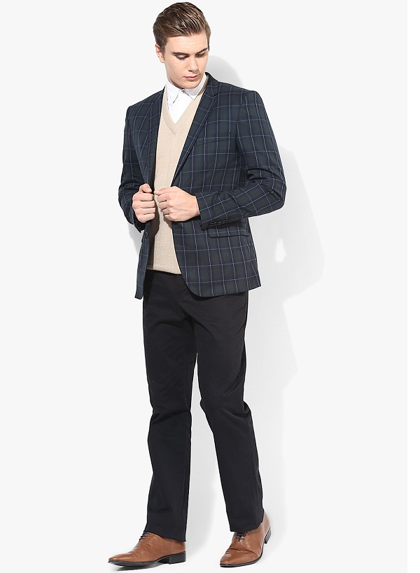Get A Stylish Look With This Checked Blazer