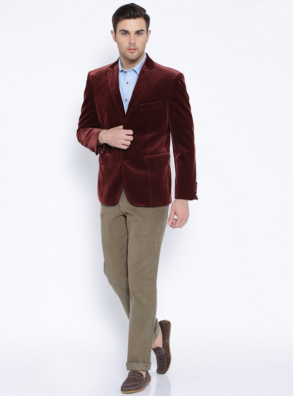 Tips Get A Classy Looks From This Blazer