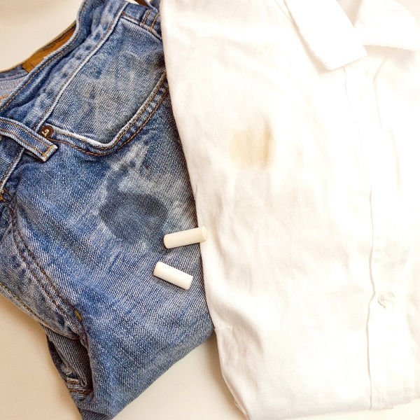 cheapest trick to remove grease stains