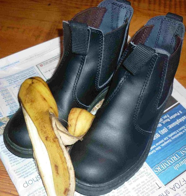 use banana skin for polishing your shoes