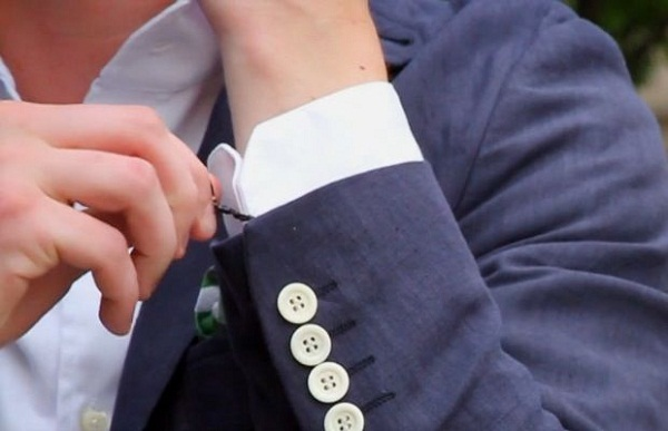 use twist ties as an alternative to proper cuff links