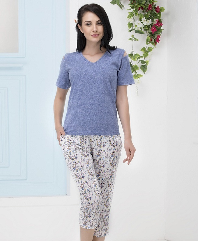 855ac1c8 If shorts aren't your cup of tea, then worry not we ask you to pick this  modest capri set. They are perfect sleepwear for the winter nights and a  decent ...