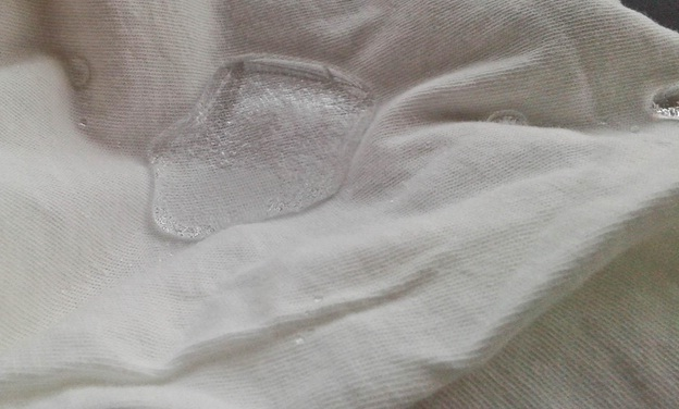 water drop test on a pure cotton fabric