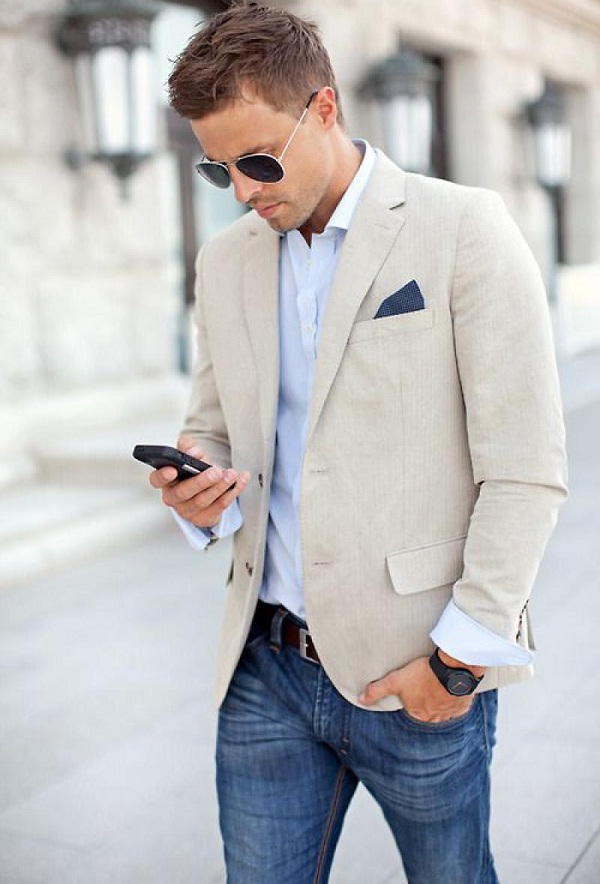 gray-short-sport-coat-with-blue-jeans