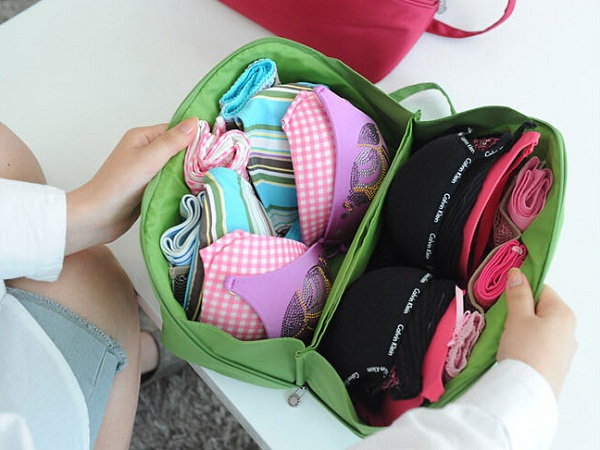 travel amazing tips to Invest innerwear in travel bag