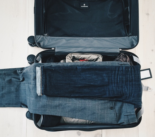 Reserve heavy clothes for the last easy travel tips