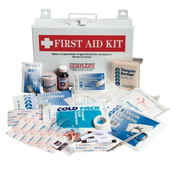 build your own first aid kit for trekking