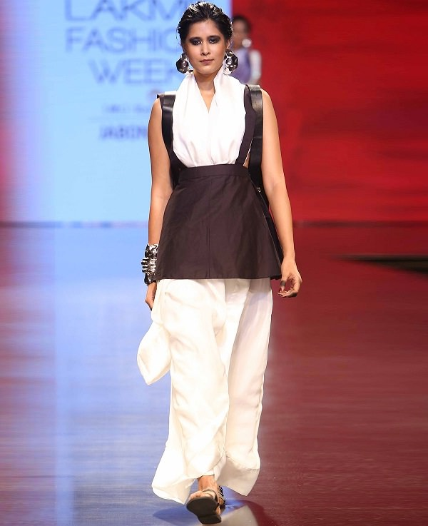 white-saree-with-chocolate-brown-pinafore-by-masaba