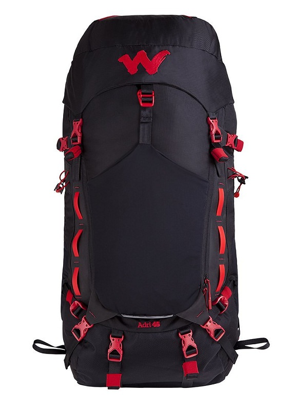 men's trekking essentials to include in packing list