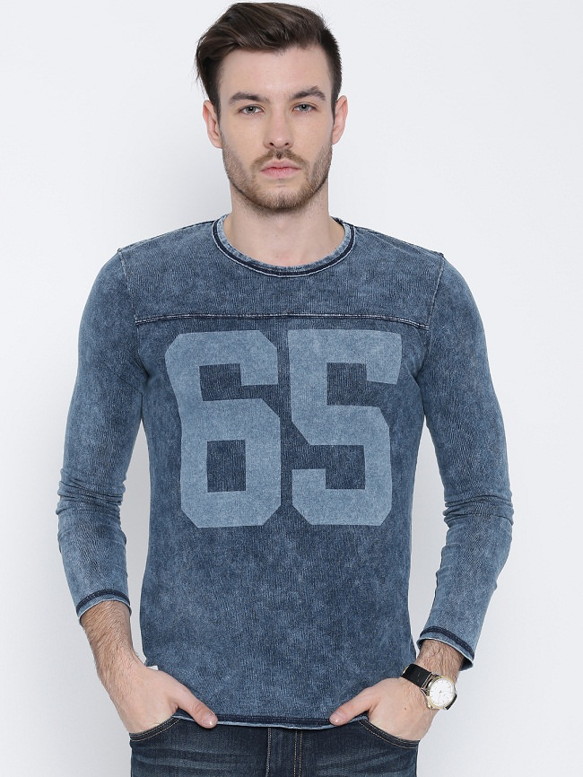 Top 11 T-shirts Brands for Men to Buy online in India - LooksGud.in 557336cc943