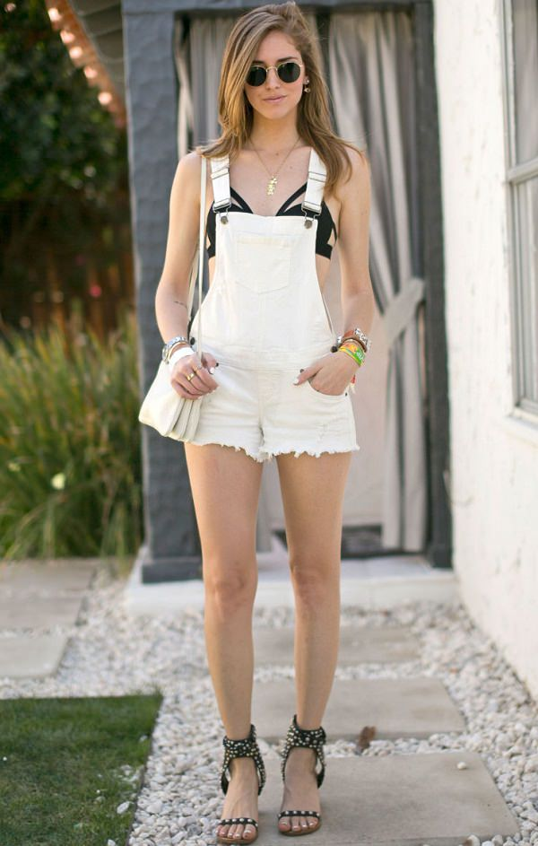 Bare bra by wearing bra under playsuit or jumpsuit and forget crop top