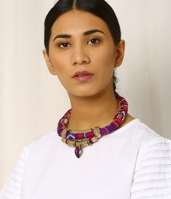 right Necklace paring guide for Crew Neck