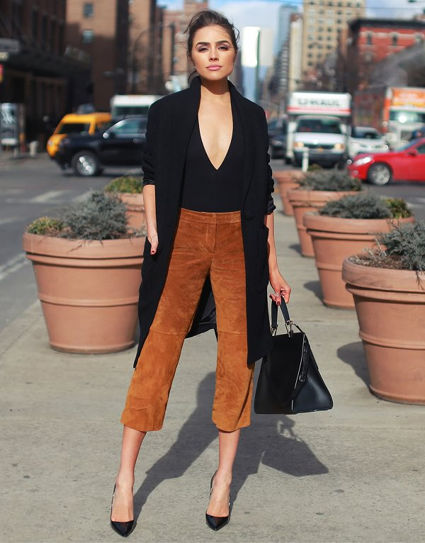 black bodysuit with caps and trouser for casual sunday look