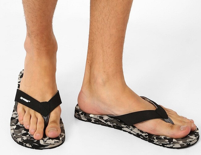 best mens flip flops wide feet