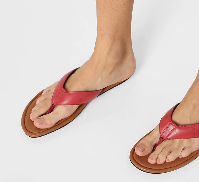 women's flip flops for wide feet