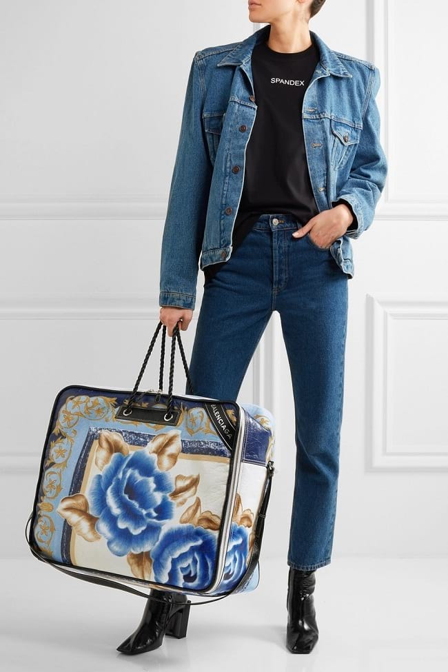 oversized tote inspired by classic blanket bags