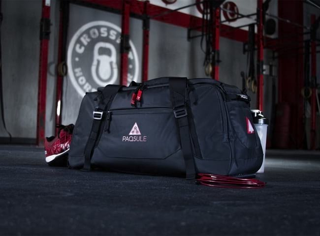 smart gym bag that automatically cleans the stuff inside