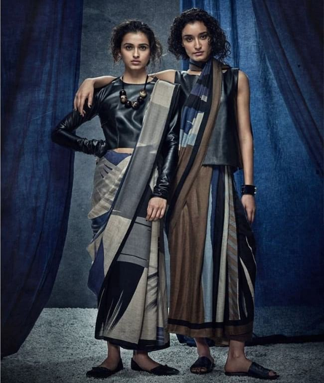 create the fusion like fashion pro by pairing saree with leather top