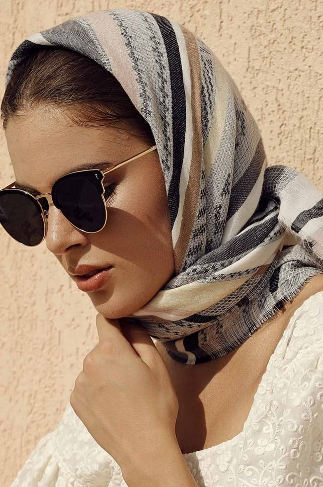 How to wear a scarf around neck, how to tie a scarf Chic and Creatively