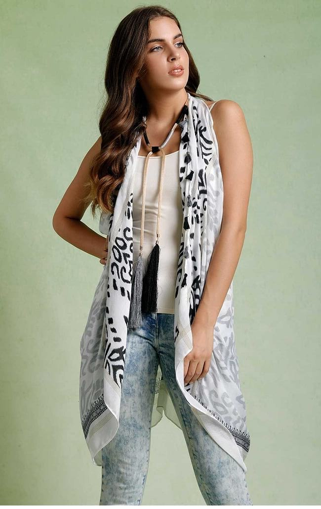 simple rules for scarf styles step by step, How to wear a scarf around neck