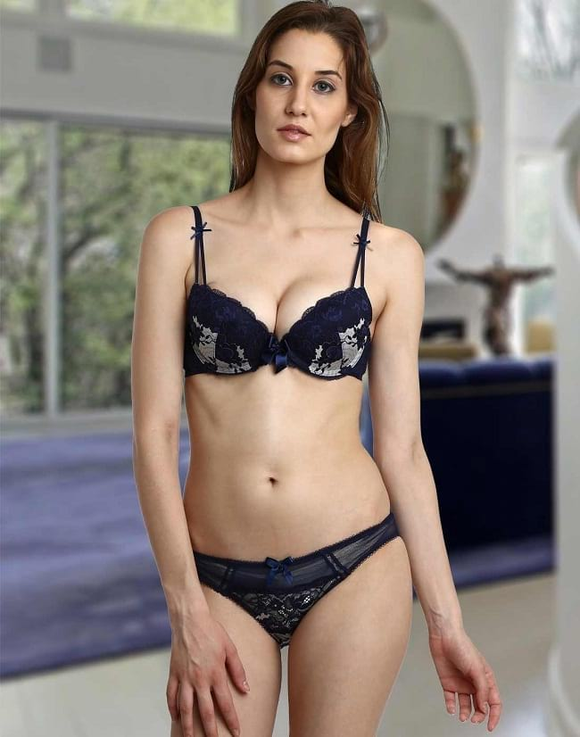 f2e66adf843 10 Best Bridal Bra Panty Sets to Seduce Him Crazy - LooksGud.in