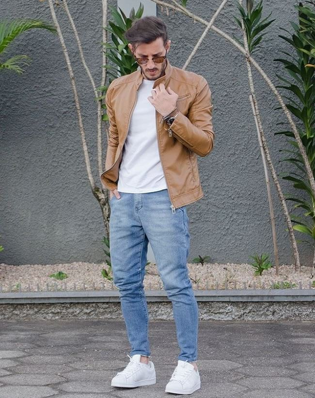 best ways to wear white t-shirt with jeans and brown leather jacket, new men's trendy clothing