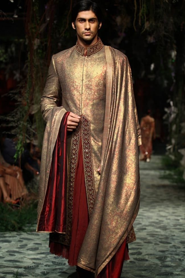 31 Best Pakistani Groom Sherwani Designs for Wedding   LooksGud.in