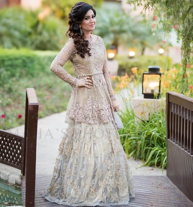 7221906642d 33 Pakistani Bridal Lehenga Designs to Try in Wedding - LooksGud.in