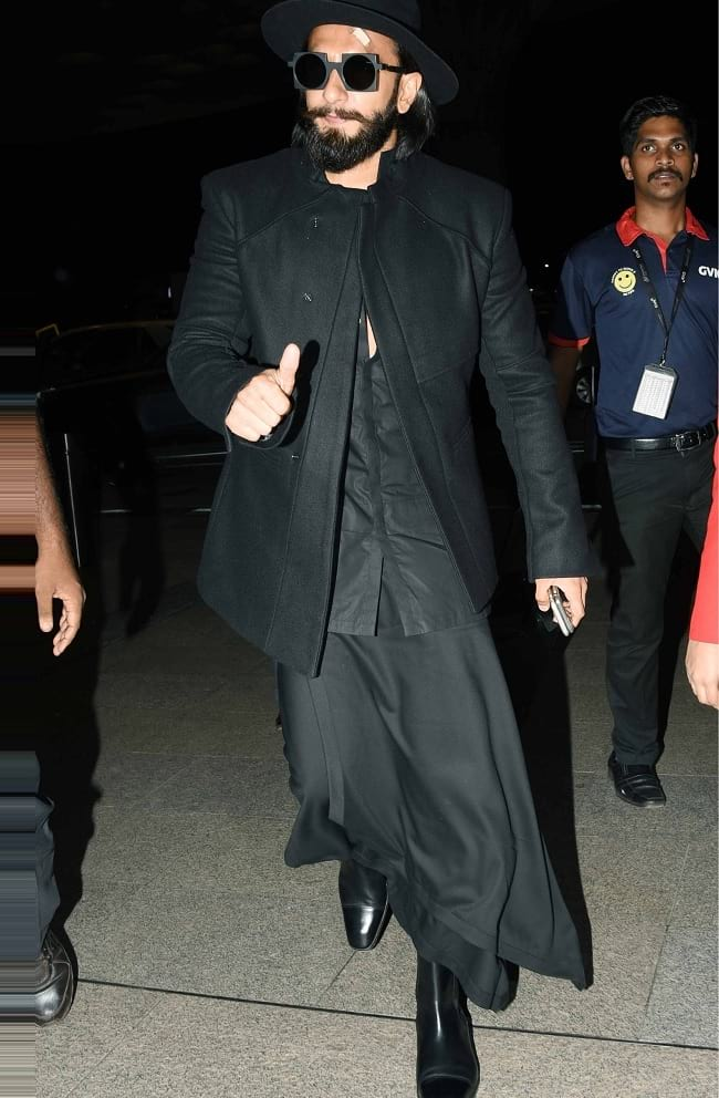 full black ranveer singh look image