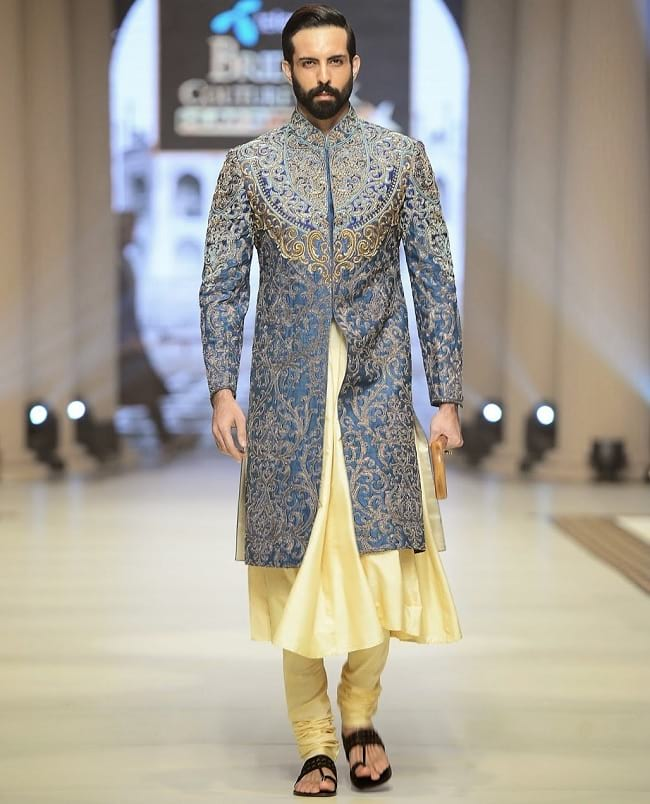 Latest Designer Wedding Sherwani Patterns for Indian Groom - LooksGud.in