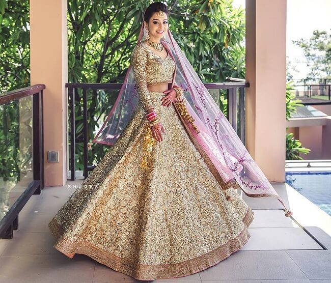 0c1a5f934a 31 Most Stunning Indian Bridal Photo Shoot: Photo Ideas - LooksGud.in