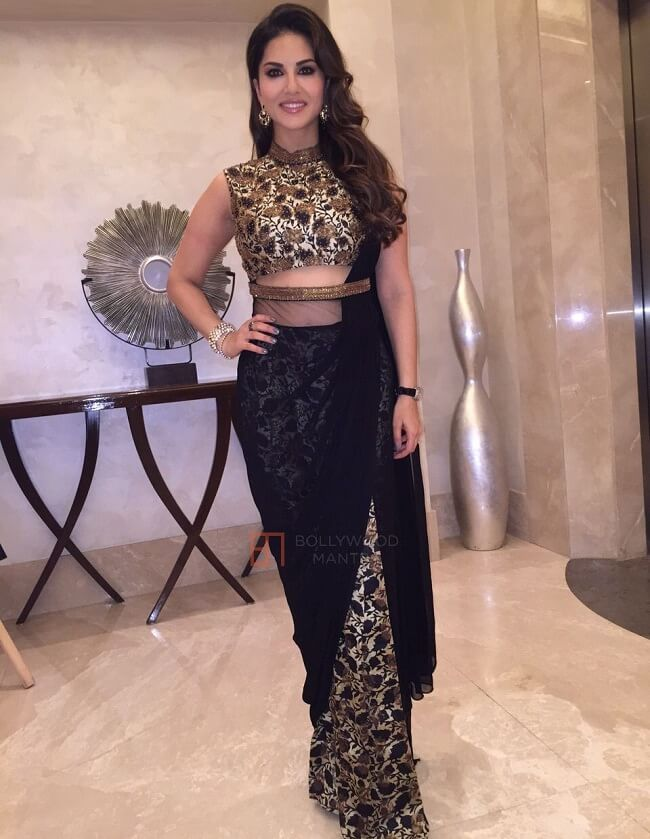 party wear saree looking fabulous on sunny