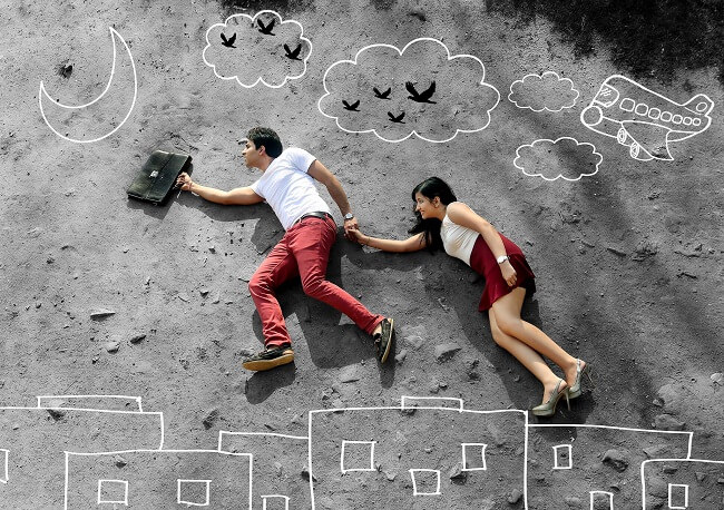 Couple matching outfit ideas for pre wedding photos