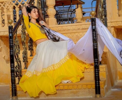 designer chaniya choli for navratri pictures