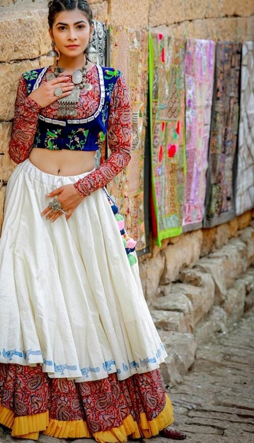 latest navratri chaniya choli manufacturers in surat, ahmedabad, bhuj