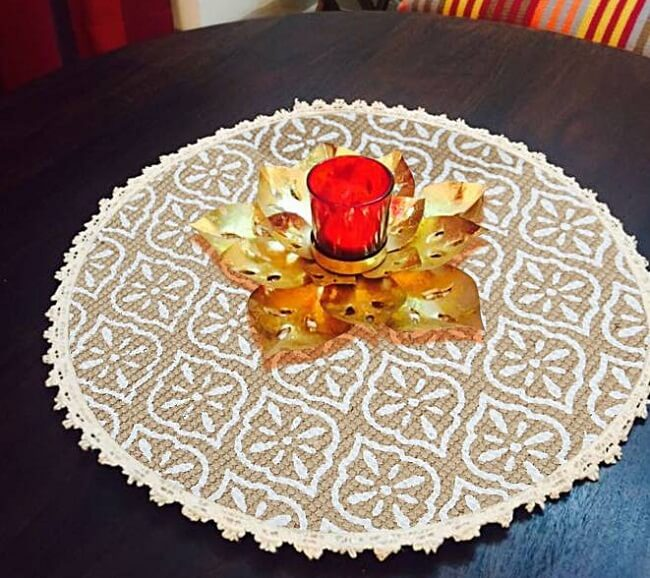 round table placemats pattern