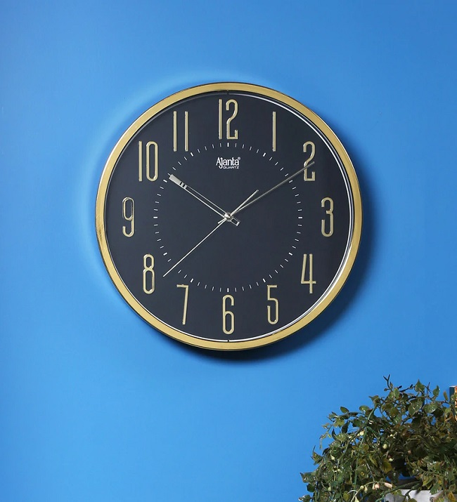 best large Wall Clocks brands for living room in india